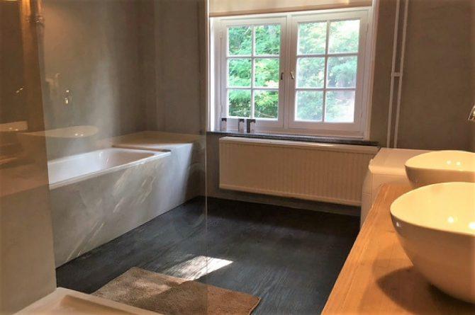 Dorpswoning De Pastorie-Villapparte-luxe vakantiehuis voor 12 personen-Noord Brabant-badkamer
