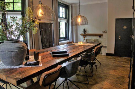 Dorpswoning De Pastorie-Villapparte-luxe vakantiehuis voor 12 personen-Noord Brabant-eetkamer