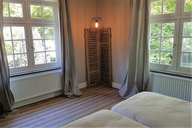 Dorpswoning De Pastorie-Villapparte-luxe vakantiehuis voor 12 personen-Noord Brabant-slaapkamer boven