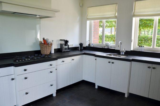 Dorpswoning De Zevende Hemel-Villapparte-luxe vakantiehuis-Noord Brabant - met sauna -10 personen - luxe keuken2