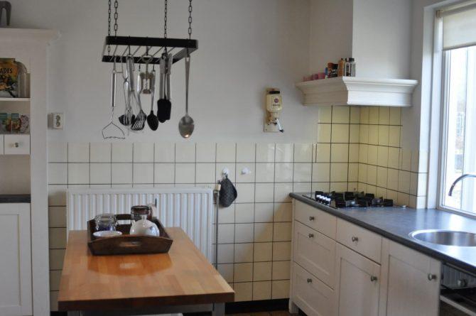 Dorpswoning Het Landelijke - Villapparte - luxe vakantiehuis voor 12 personen - Noord Brabant - complete keuken