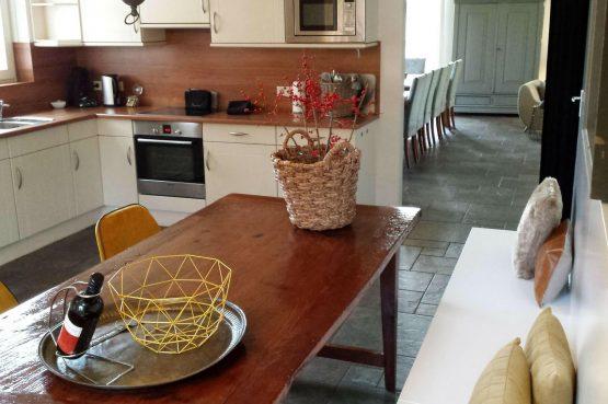Dorpswoning Het Uitzicht - Villapparte - luxe vakantiehuis voor 14 personen - groepsaccommodatie - Noord Brabant - complete keuken