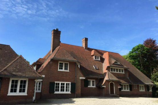 Landgoed Valkenhorst-Dorpswoning-Villapparte-luxe landhuis voor 17 personen-zwembad-Noord Brabant-voorkant huis