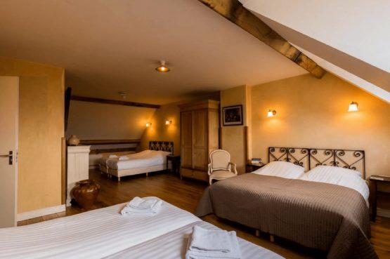 Vakantiehuis De Poel-Villapparte-Smockelaer-luxe groepsaccommodatie-26 personen-Zuid Limburg-slaapkamer voor 5 personen