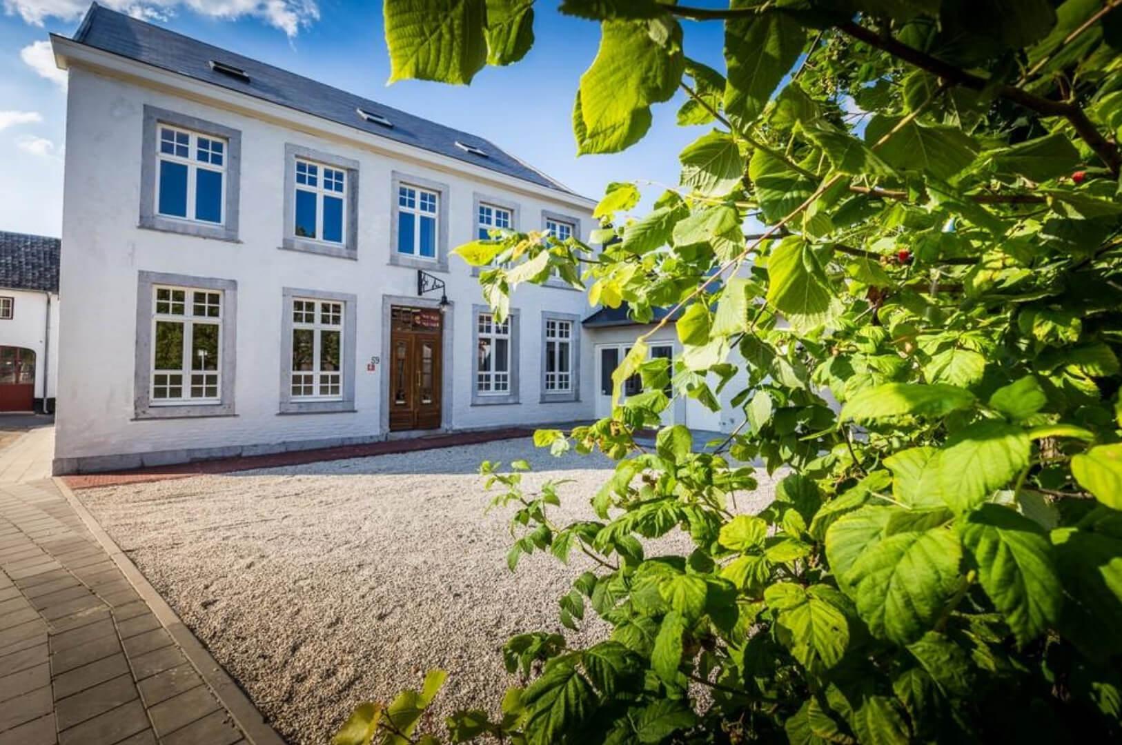 Vakantiehuis La Mairie-Villapparte-De Smockelaer-luxe vakantiehuis voor 35 personen-België-groepsaccommodatie