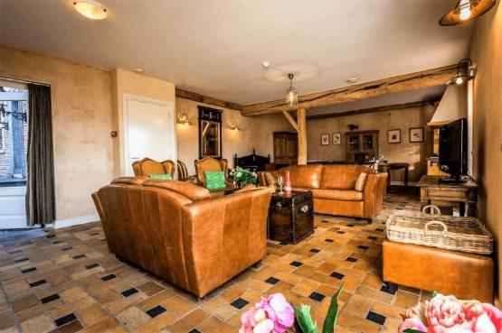 Vakantiehuis de Flab-Villapparte-Smockelaer-Monumentale en luxe vakantiehuis_12 personen_woonkamer
