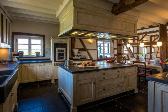 Vakantiehuis & Landgoed AgenBeuke-Villapparte-De Smockelaer-luxe vakantiehuis voor 20 personen-binnen zwembad-groepsaccommodatie-Zuid Limburg-luxe en complete keuken