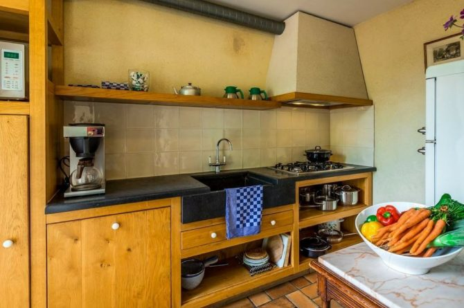 Vakantiehuis Roebelsbos-Villapparte-De Smockelaer-luxe groepsaccommodatie voor 20 personen-Zuid Limburg-luxe keuken