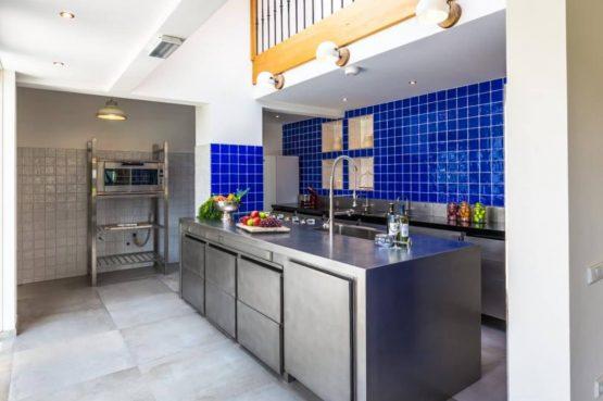 Vakantievilla Schweiberg-Villapparte-De Smockelaer-luxe vakantiehuis voor 18 personen-binnen zwembad-groepsaccommodatie-Zuid Limburg-complete en luxe keuken