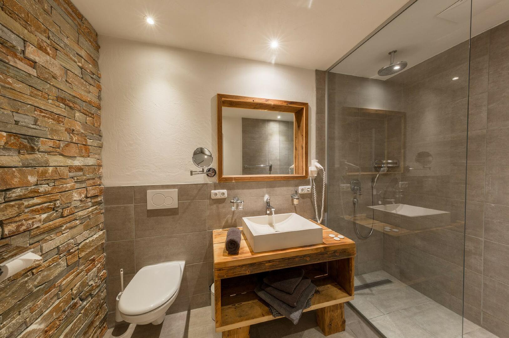 Luxe Chalet Badkamer : Bauernlodge i drie luxe appartementen in tirol oostenrijk