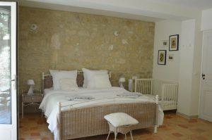 Villapparte_Les Oliviers du Taulisson_unieke Chambres d'Hôtes bij de Mont Ventoux_slaapkamer1