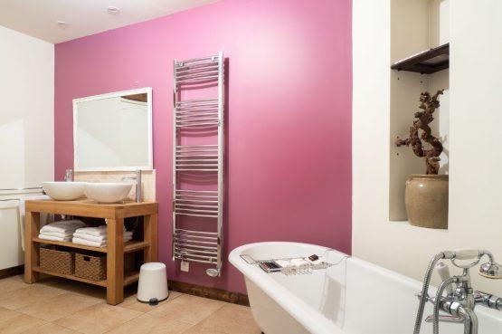 Villapparte_Lys d'avril_luxe vakantiehuizen met zwembad in Haute Vienne_6 personen_Luxe badkamer in style