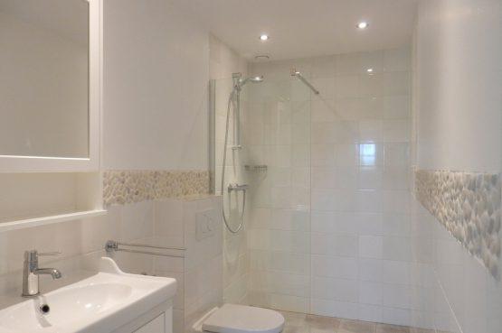 Villapparte-Vecht en Weide-Luxe vakantiehuis Kievit-Weesp-badkamer