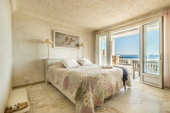 Villapparte_B&B en Vakantievilla Mer du Mer_Les Issambres Côte d'Azur_slaapkamer2
