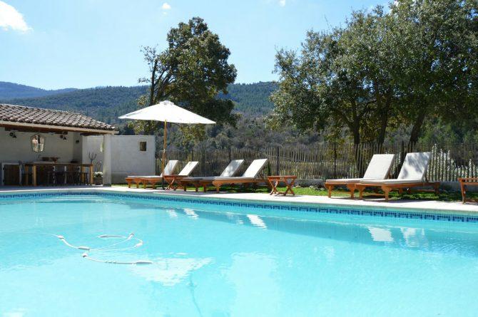 Villapparte_Les Oliviers du Taulisson_unieke Chambres d'Hôtes bij de Mont Ventoux_zwembad4