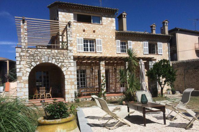 Villapparte_Villa Au Souleu_historisch vakantiehuis Vence 12 personen_Zuid-Frankrijk_achtertuin