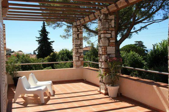 Villapparte_Villa Au Souleu_historisch vakantiehuis Vence 12 personen_Zuid-Frankrijk_dakterras