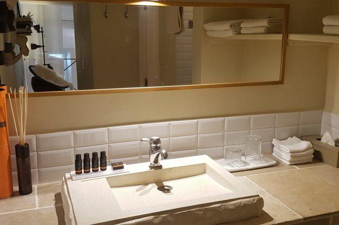 Villapparte_chambres d'hôtes deluxe_Mas la Buissonnière_badkamer