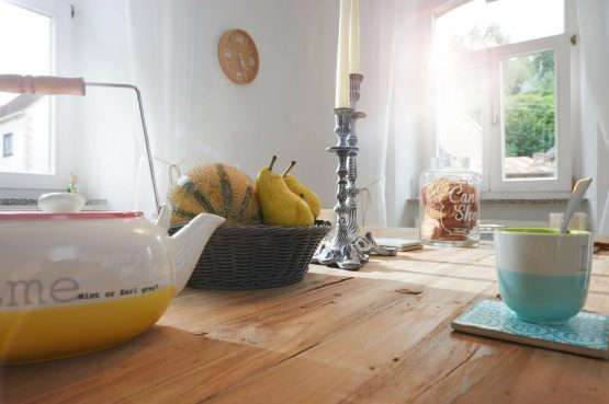 Villapparte-luxe vakantiehuis Lemontree met sauna - 7 personen -Vulkaan Eifel - Duitsland - keuken sfeer