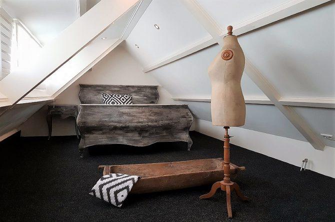 Villapparte_Vakantiehuis De Zeelberg_Dorspswoning_Sfeervol vakantiehuis voor 4 personen_Valkenswaard_slaapkamer op vide