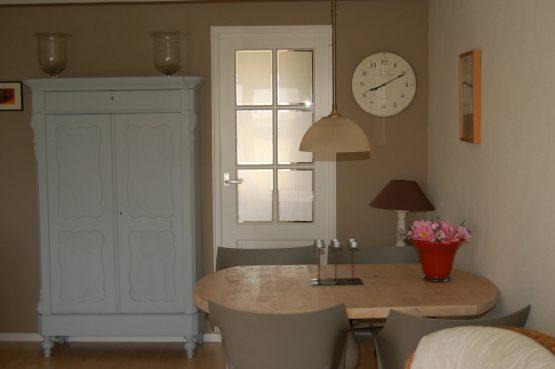 Villapparte_appartement La Mer_vakantiehuis aan zee_Egmond aan Zee_4 personen_uitzicht op zee_eettafel
