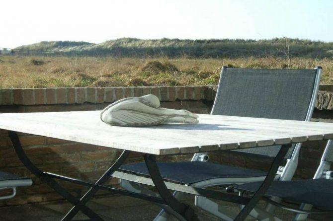 Villapparte_appartement La Mer_vakantiehuis aan zee_Egmond aan Zee_4 personen_uitzicht op zee_terras met uitzicht op duinen