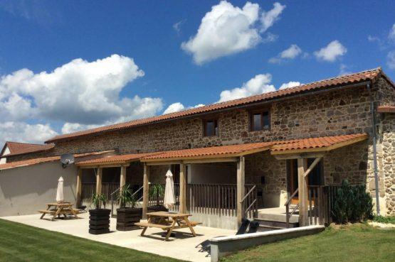 Mazieras-Luxe vakantiehuizen en B&B in Frankrijk-de Dordogne- met verwarmd zwembad-Villapparte-buitenterassen