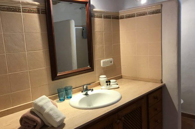 Villapparte - Casa la Vida - luxe vakantiehuis voor 6 personen met zwembad - Ibiza - badkamer 2