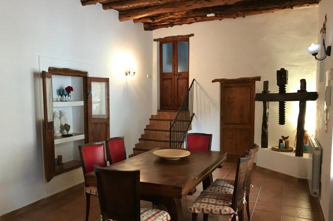 Villapparte - Casa la Vida - luxe vakantiehuis voor 6 personen met zwembad - Ibiza - eethoek