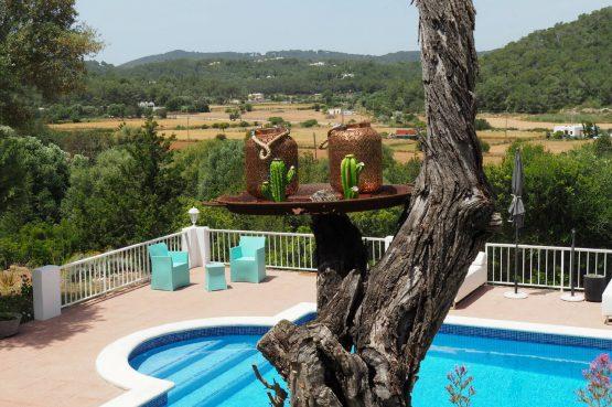 Villapparte - Casa la Vida - luxe vakantiehuis voor 6 personen met zwembad - Ibiza - uitzicht zwembad