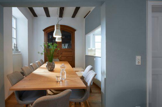 Villapparte-luxe vakantiehuis Appletree met sauna - 12 personen -Moezel - Duitsland -eethoek