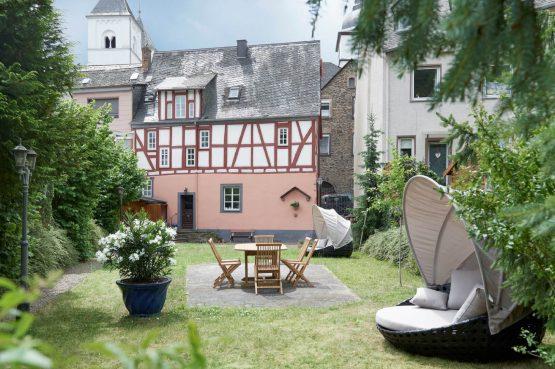 Villapparte-luxe vakantiehuis Appletree met sauna - 12 personen -Moezel - Duitsland - tuin met uitzicht op huis