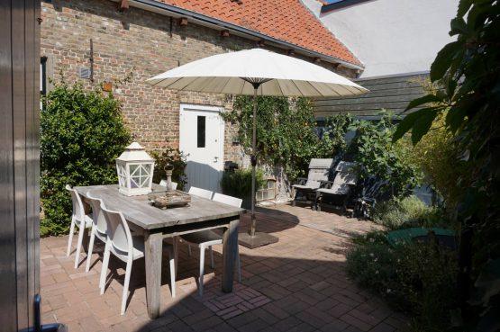 Vakantiehuis Ziltvloed-Villapparte-zeeuwsekust-8 personen-tuintafel in tuin