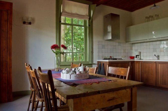 De Oude Zondagschool-Villapparte-sfeervol en romantisch vakantiehuis-6 personen-Gelderland-Achterhoek-keuken