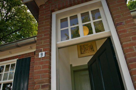 De Oude Zondagschool-Villapparte-sfeervol en romantisch vakantiehuis-6 personen-Gelderland-Achterhoek-voordeur