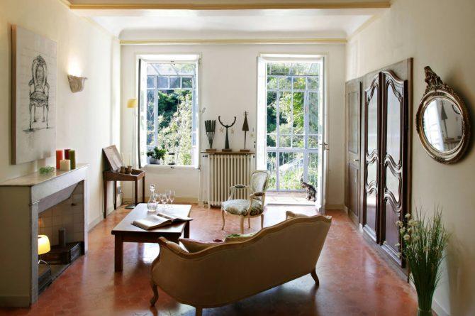 Maison de Maître Des-Sens-Villapparte-luxe en authentieke vakantieappartementen met zwembad-Drôme-Provence-authentieke salon