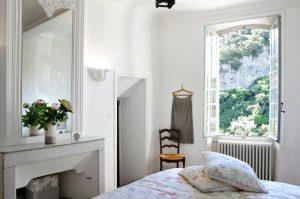 Maison de Maître Des-Sens-Villapparte-luxe en authentieke vakantieappartementen met zwembad-Drôme-Provence-slaapkamer