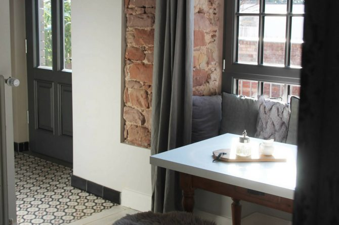 The Backyard-Villapparte-exclusieve design appartementen- 2 personen-Trier-Duitsland-eethoek