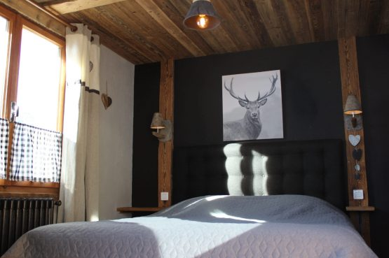 La Belle Bubble Lodge_Villapparte_unieke mountain lodge_appartement_Bed en Breakfast_Haute Savoie_Buitenspa_B&B kamer