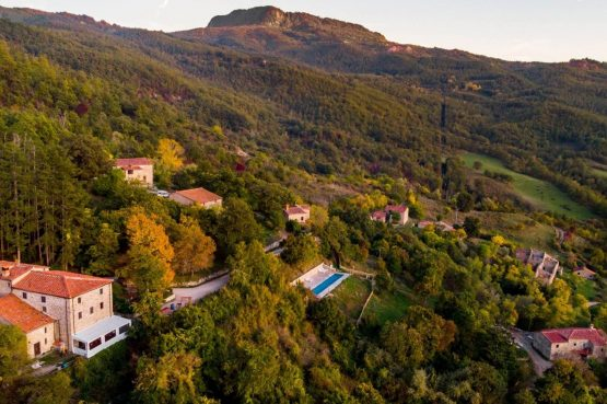 Boutique hotel Novanta-Villapparte-Italië-Toscane-authentiek en traditioneel belevingshotel-Novanta vanuit de lucht