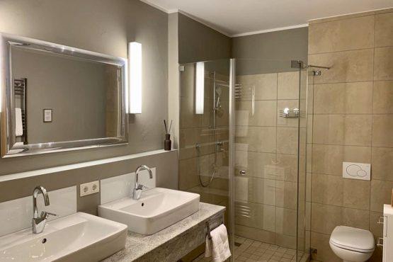 Villapparte-Belvilla-Appartement Panorama Chalet 7-Luxe appartement voor 4 personen in Mittersill-Oostenrijk-luxe badkamer