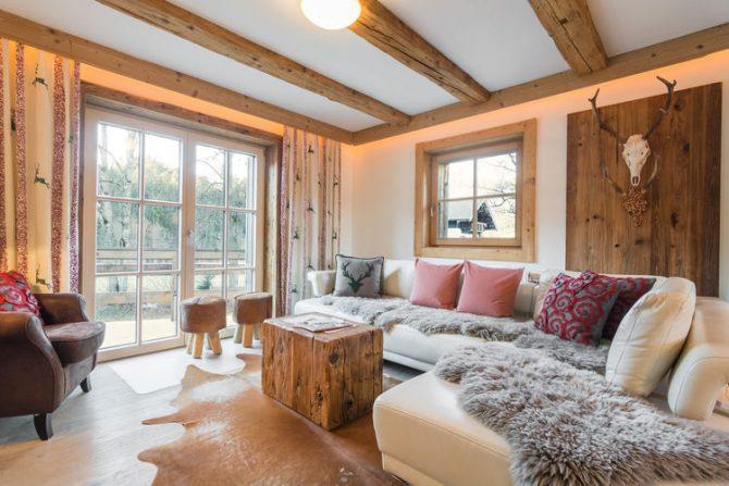 Villapparte-Belvilla- Chalet Kaiserliebe-luxe chalet voor 10 personen in Ellmau-Oostenrijk-romantische woonkamer