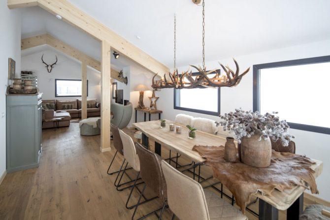 Villapparte-Belvilla-Chalet Reiteralm-luxe chalet voor 8 personen in Schladming-Oostenrijk-eettafel