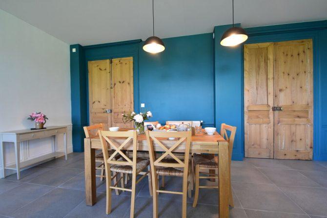 Villapparte-Belvilla- Kasteel Chateau in Asnières - Normandië-vakantiehuis voor 19 personen-authentiek kasteel-eethoek in moderne keuken