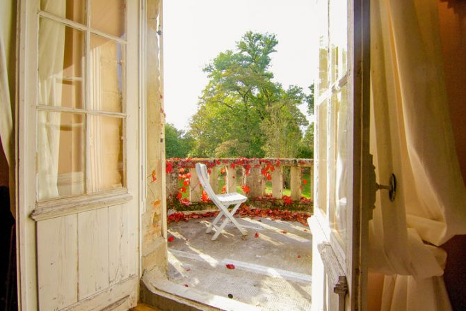 Villapparte-Belvilla-Landhuis La Dame a l'Hermine-authentiek vakantiehuis met zwembad-sfeervol balkon