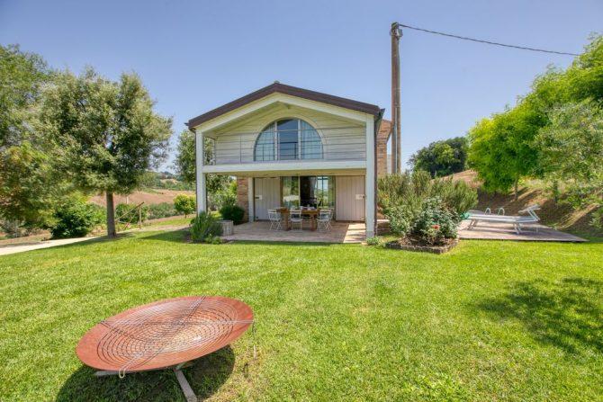 Villapparte-Belvilla-Vakantie Casa Strappa Le Marche in Italië-vakantiehuis voor 2 personen-overdekt terras