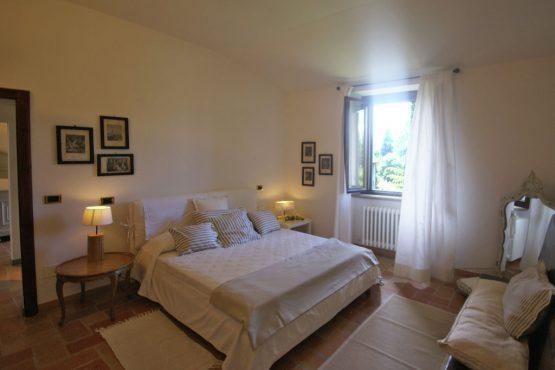 Villapparte-Belvilla-Vakantiehuis Casa Bevagna Umbrië Italië-vakantiehuis voor 5 personen-luxe slaapkamer