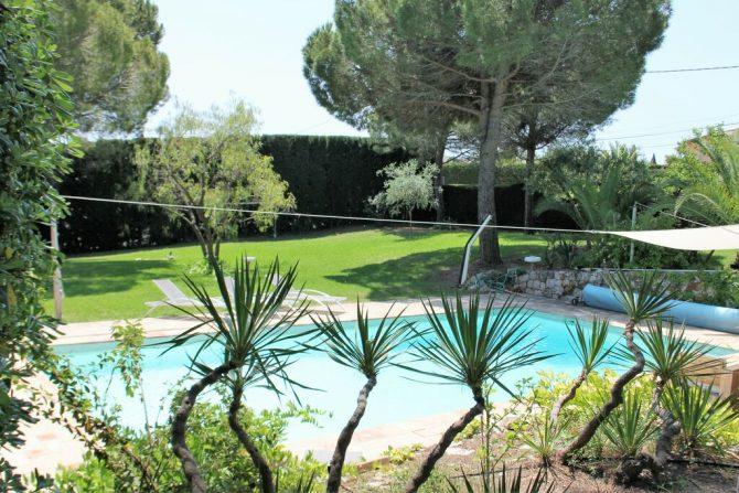 Villapparte-Belvilla-Villa La Salamandre Côte d'Azur-luxe vakantiehuis voor 10 personen met zwembad en grote tuin