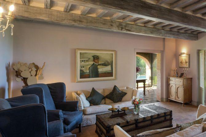 Villapparte-Belvilla-Villa Melograno Toscane Italië-luxe vakantiehuis voor 10 personen-gezellige woonkamer