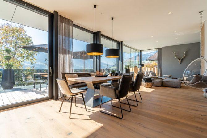 Villapparte-Belvilla-Appartement Penthouse Sonnrain-luxe appartement voor 4 personen in Piesendorf-Oostenrijk-moderne eethoek